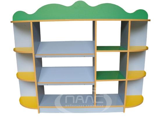 В пластмассовые игровые домики для